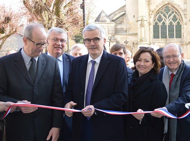 Photo de l'inauguration avec Dominique Décaudin, maire de Cormicy, Christian Bruyen, président du conseil départemental, Jacques Lucbereilh, sous-préfet, Valérie Beauvais, députée et Yves Detraigne, sénateur.