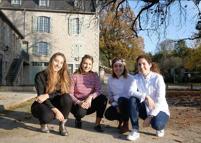 4 jeunes entrepreneuses sont désormais co-gérantes de l'hôtel-restaurant la Maison du Gasseau