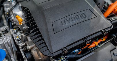 Plug-in Hybrid vs Hybrid vs Electric Cars - Which Is Right For Me?