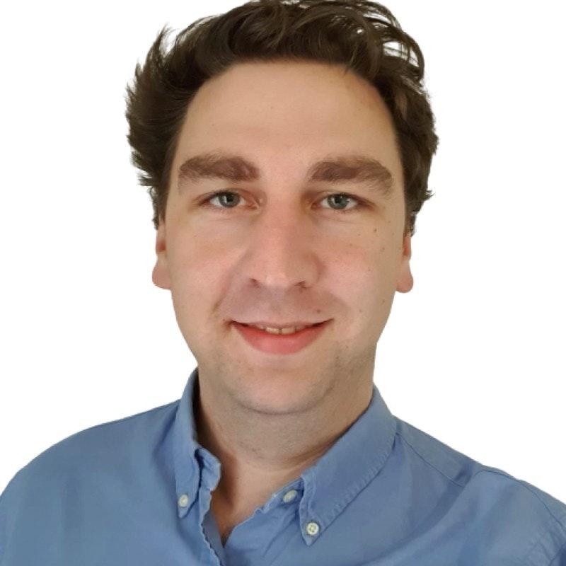 Portrait photo of Simon Wright