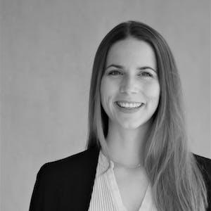 Sonja Neubauer - Ihre Ansprechpartnerin für Webinare der Leitwerk Academy