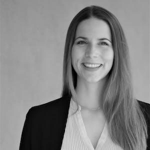 Sonja Neubauer - Ihre Ansprechpartnerin zu Webinaren der Leitwerk Academy
