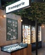Paris (France) - Monbleu Fromagerie