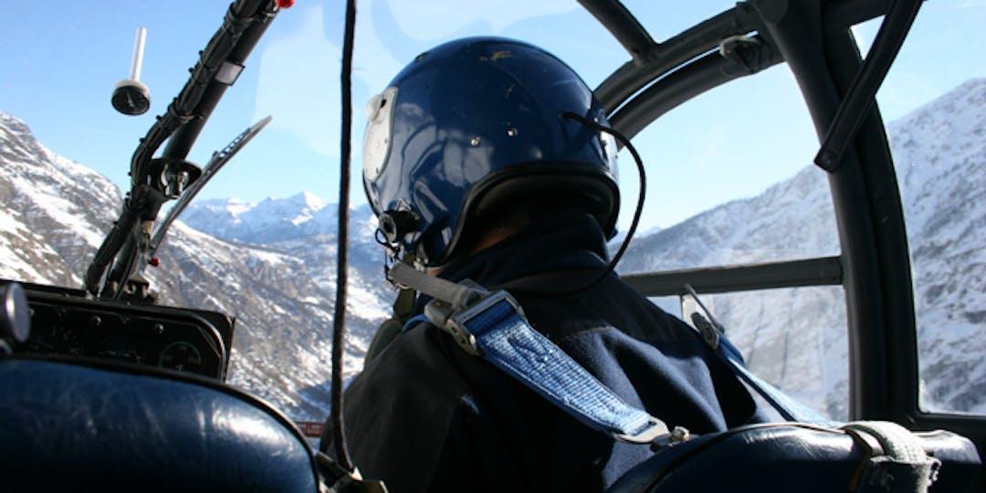 Un hélicoptère de la Gendarmerie durant un exercice de secours en montagne (illustration)
