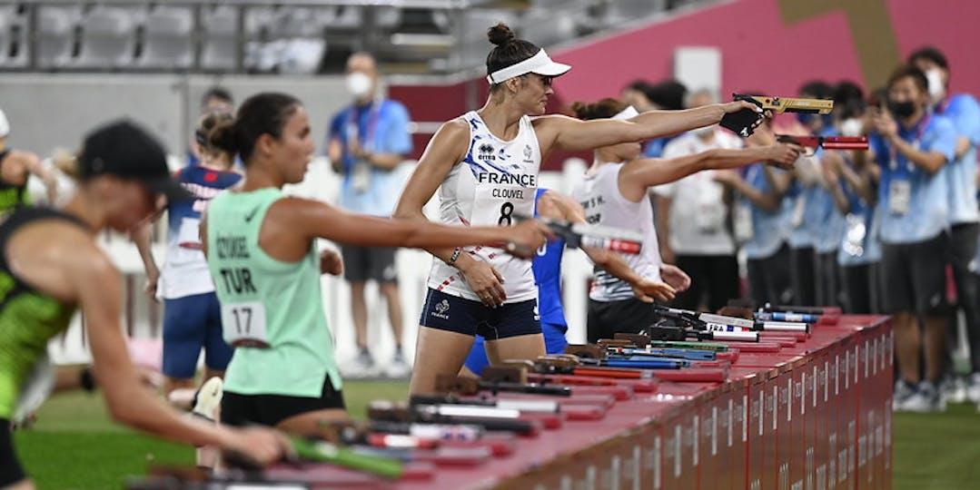 Elodie Clouvel (avec le numéro 8 au fond) a réalisé une excellente seconde partie de pentathlon moderne. Mais ce n'était pas sufisant (crédit photo : CNOSF/KMSP)