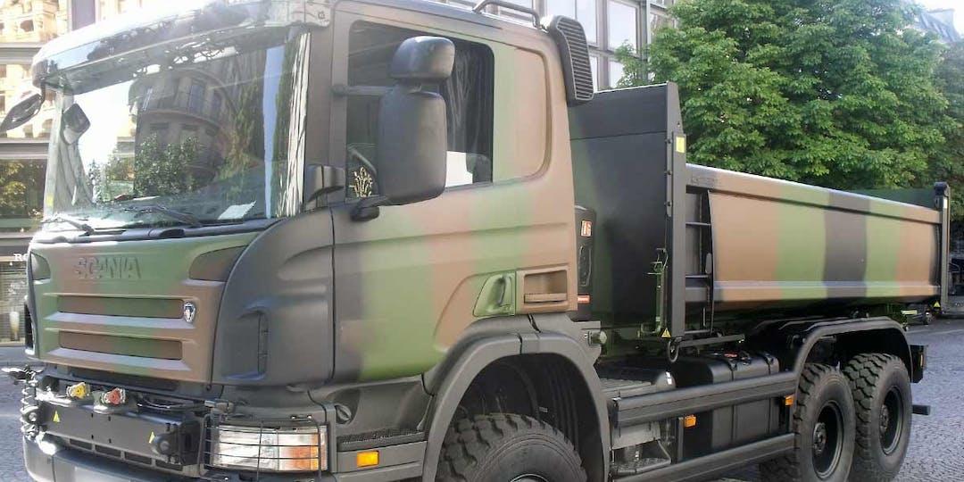 Les gendarmes ont arrêté un militaire ivre au volant du camion de l'armée (Photo d'illustration - A.Lambert/WikimediaCommons)