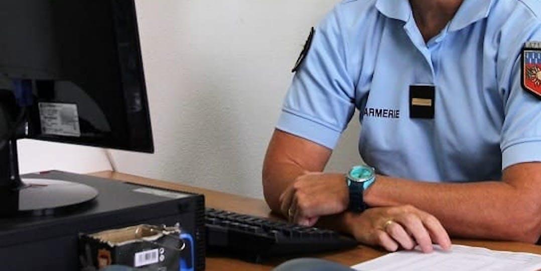 """Un post de la Gendarmerie de Haute-Loire, censé alerter sur les risques d'escroqueries en ligne, a été accusé """"d'incitation à la haine raciale"""" par plusieurs internautes (crédit photo : L'Essor)"""