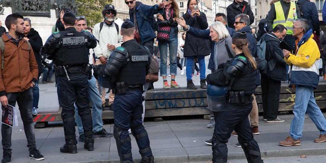 Un gendarme avait été agressé lors d'un rassemblement pro-migrants (crédit photo : L'Essor)