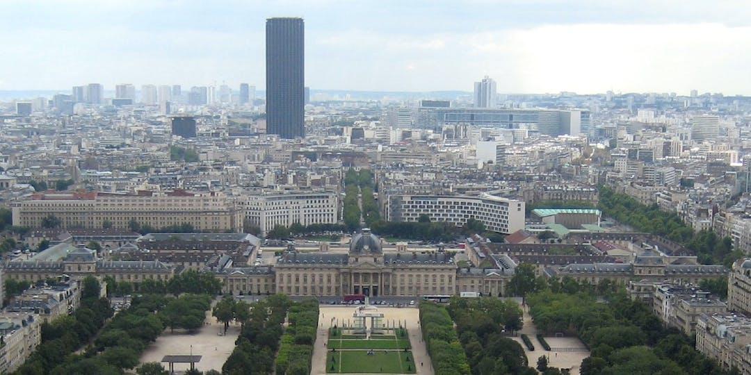 Vue de l'Ecole militaire, siège de l'IHEDN, depuis la tour Eiffel (Crédit photo: Wally Gobetz/ Flickr).