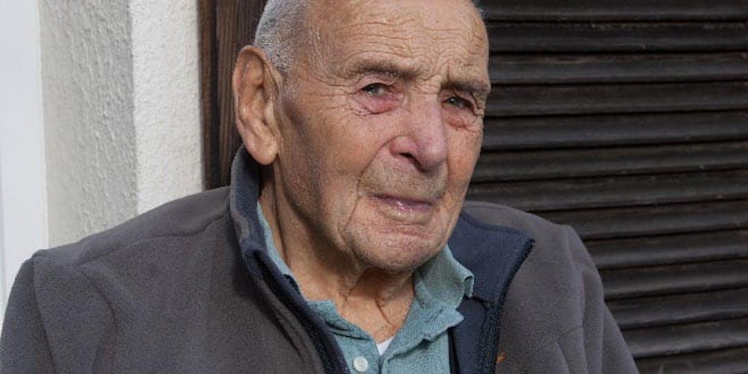 Ancien gendarme mobile, reconnu «Juste parmi les Nations» pour avoir sauvé huit juifs avec l'aide de sa famille pendant l'Occupation, Camille Mathieu est décédé en 2017 à l'âge de 102 ans.
