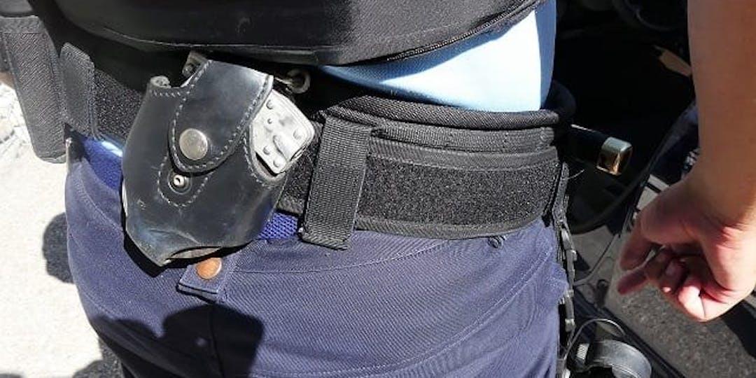Le gendarme blessé a dû faire usage de son arme de service (crédit photo : L'Essor)