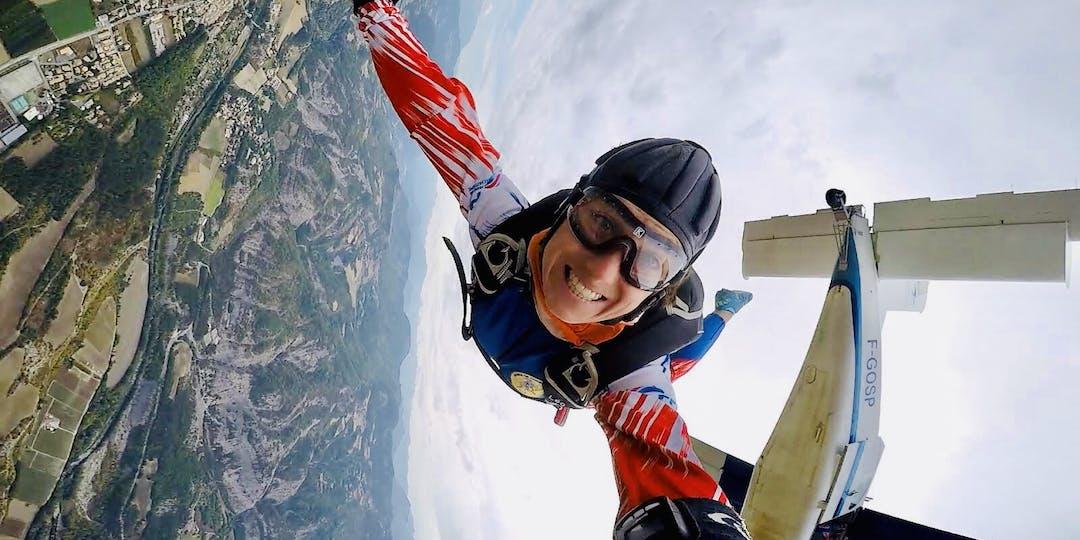 La maréchale des logis Léocadie Ollivier de Pury dispute actuellement les Mondiaux de parachutisme (crédit photo : DR)
