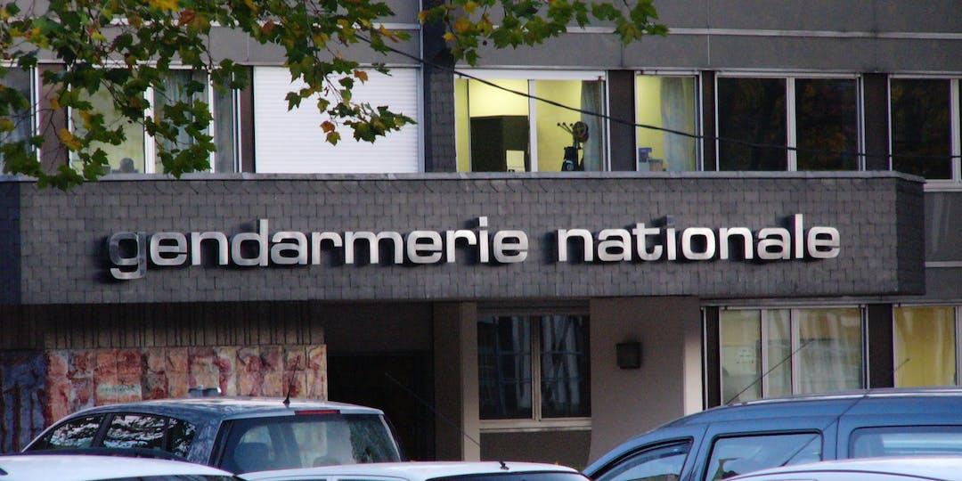Les victimes hésitent souvent à se rendre à la gendarmerie pour déposer plainte (Photo: Flickr).