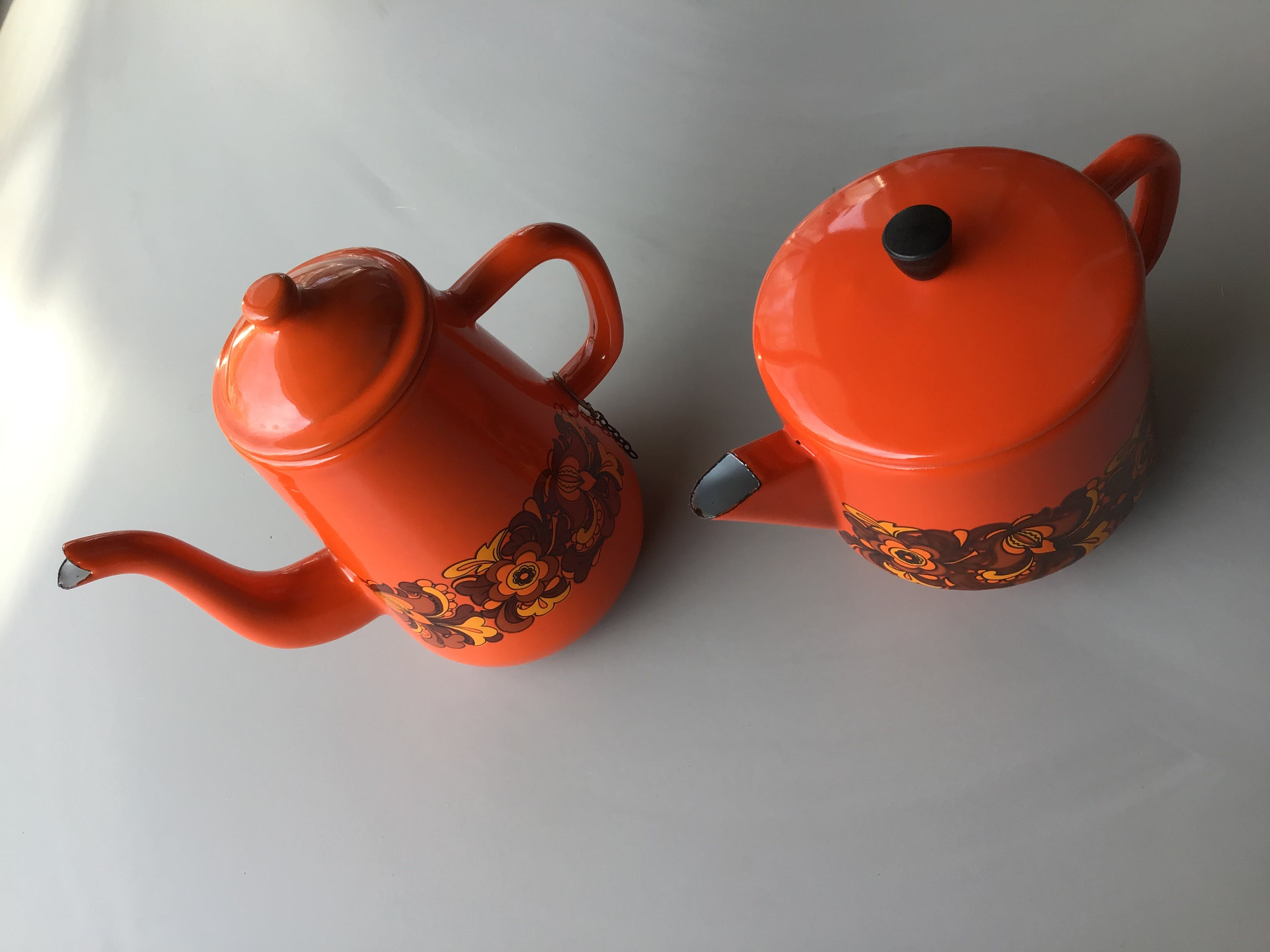 Emaille koffie- en theepot