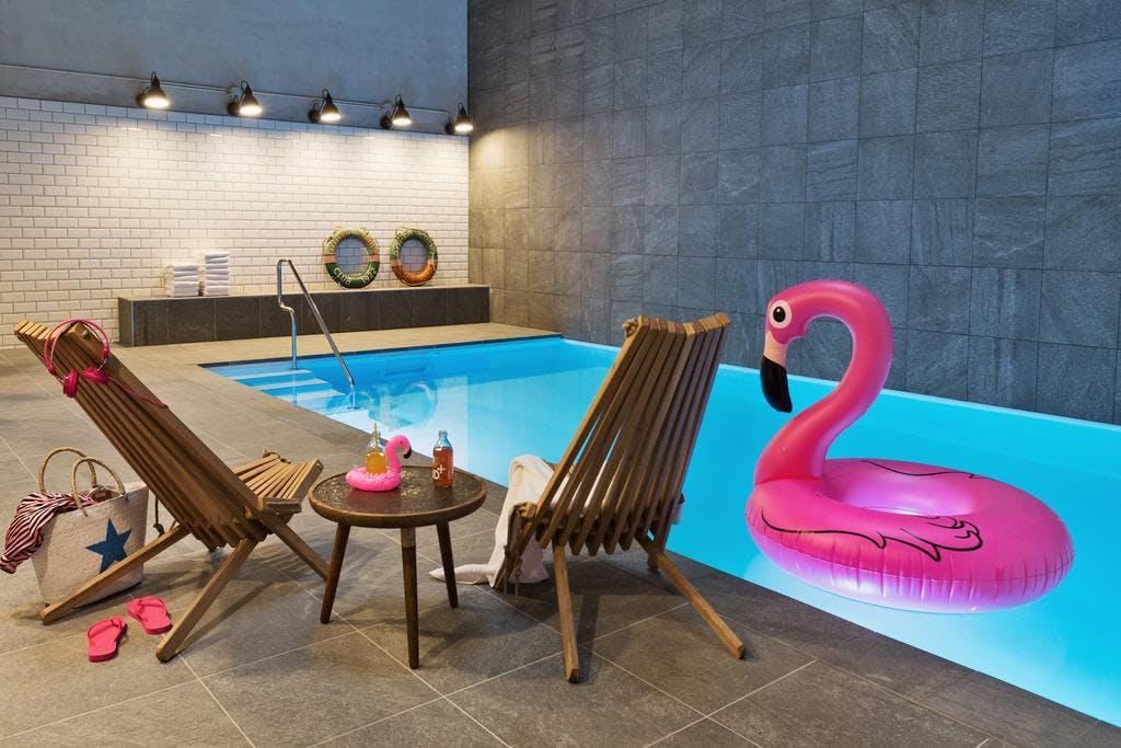 Moxy Amsterdam Houthavens pool