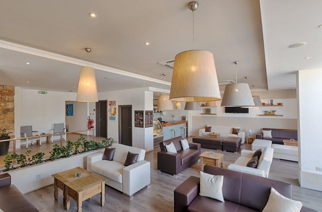 AX: Sunny Coast Resort & Spa lounge