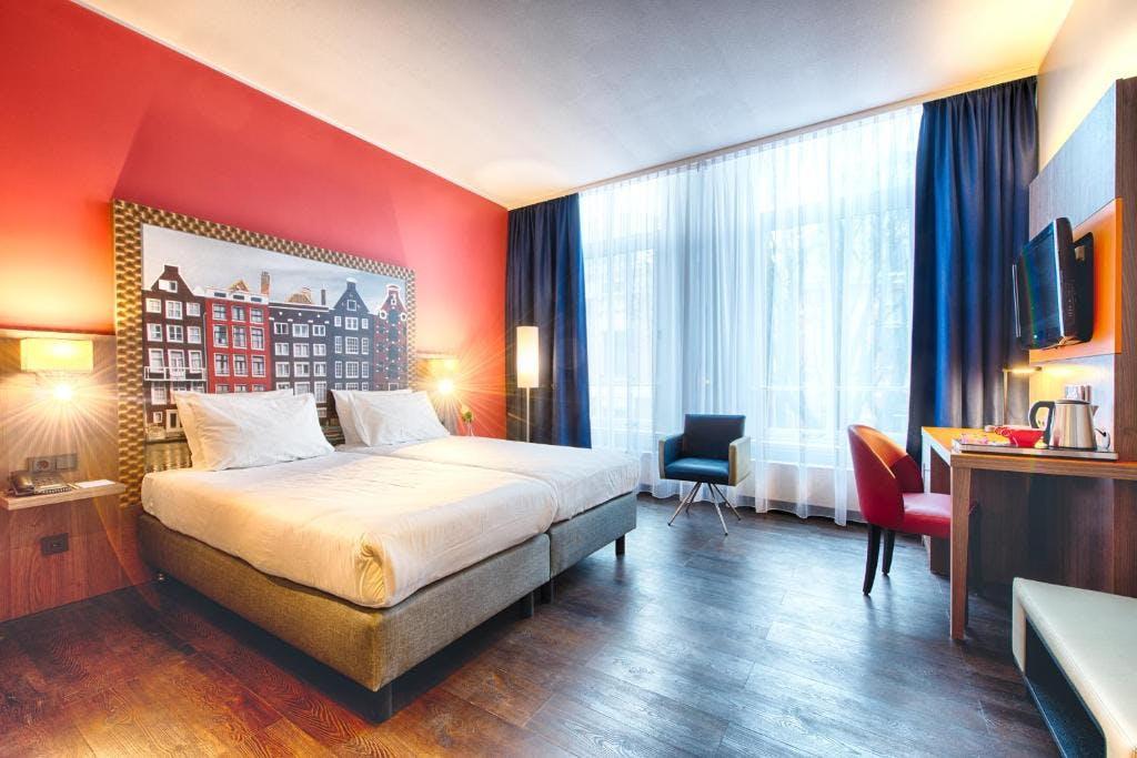 Leonardo Hotel Amsterdam City Centre  bedroom