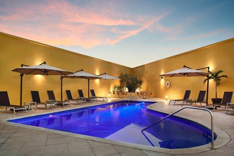 fairfield hotel pool