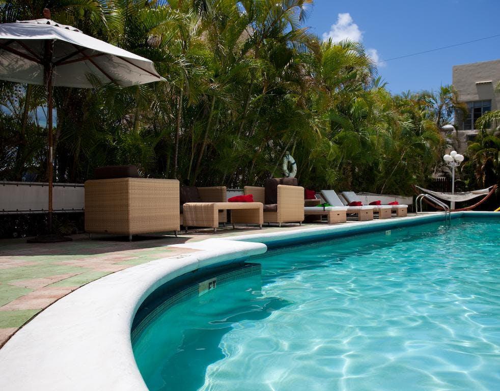 Dorchester Hotel & Suites swimming pool