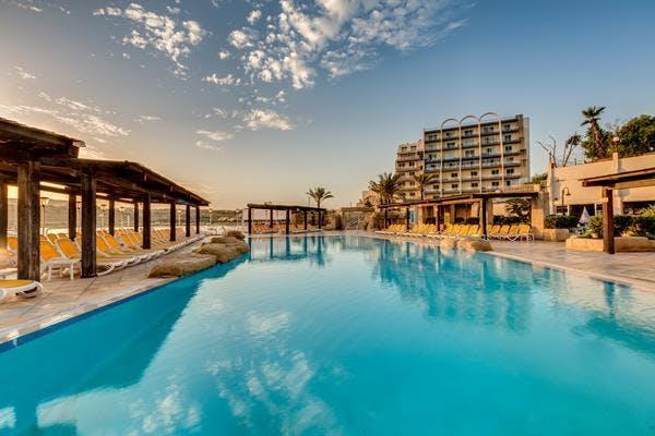 AX: Sunny Coast Resort & Spa pool