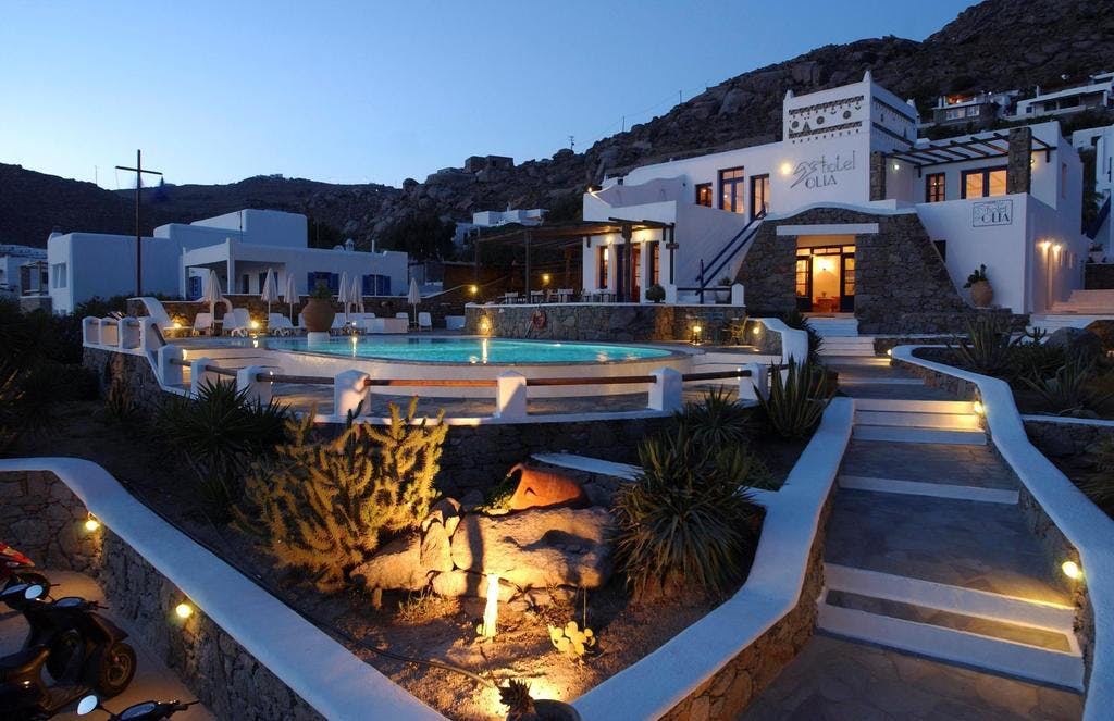 Basic hotel exterior