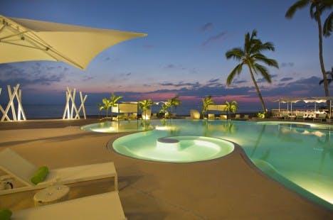 Hilton Puerto Vallarta pool
