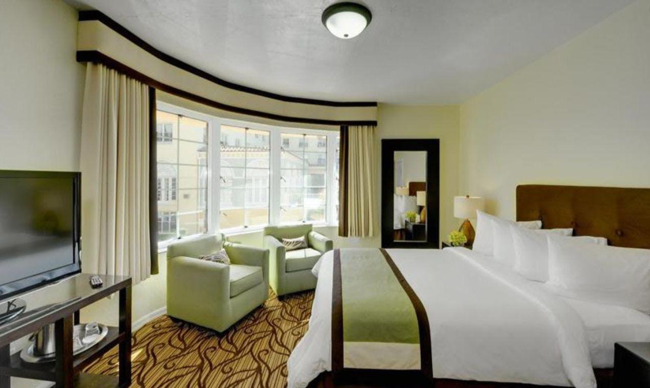 Essex House Hotel bedroom