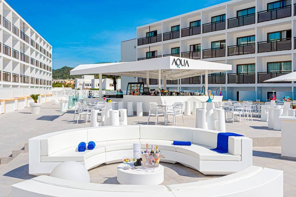 Hotel Playasol Mare Nostrum outdoor seating