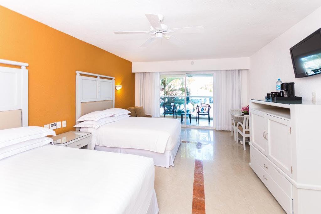 Occidental Costa Cancún bedroom