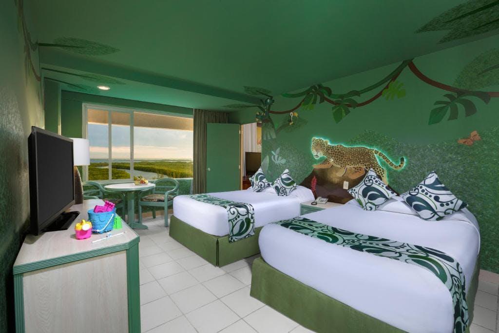 Oasis Palm bedroom