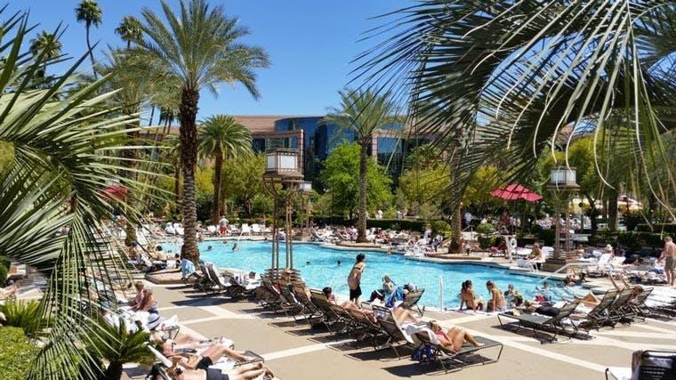 MGM Grand Vegas pool
