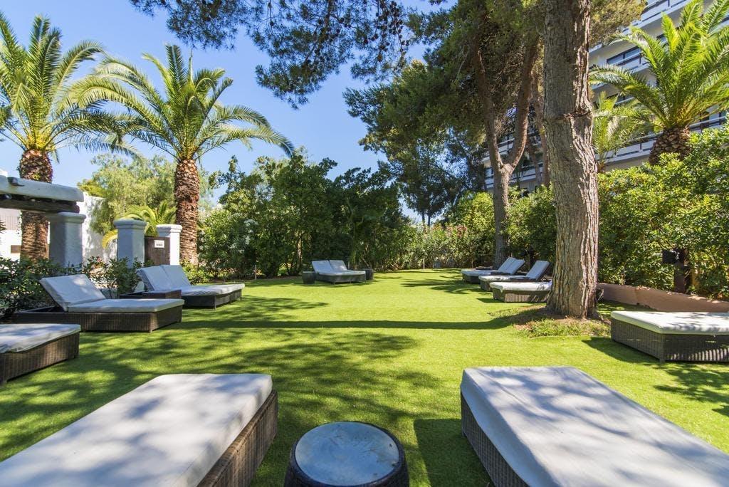 AzuLine Hotel Bergantin garden