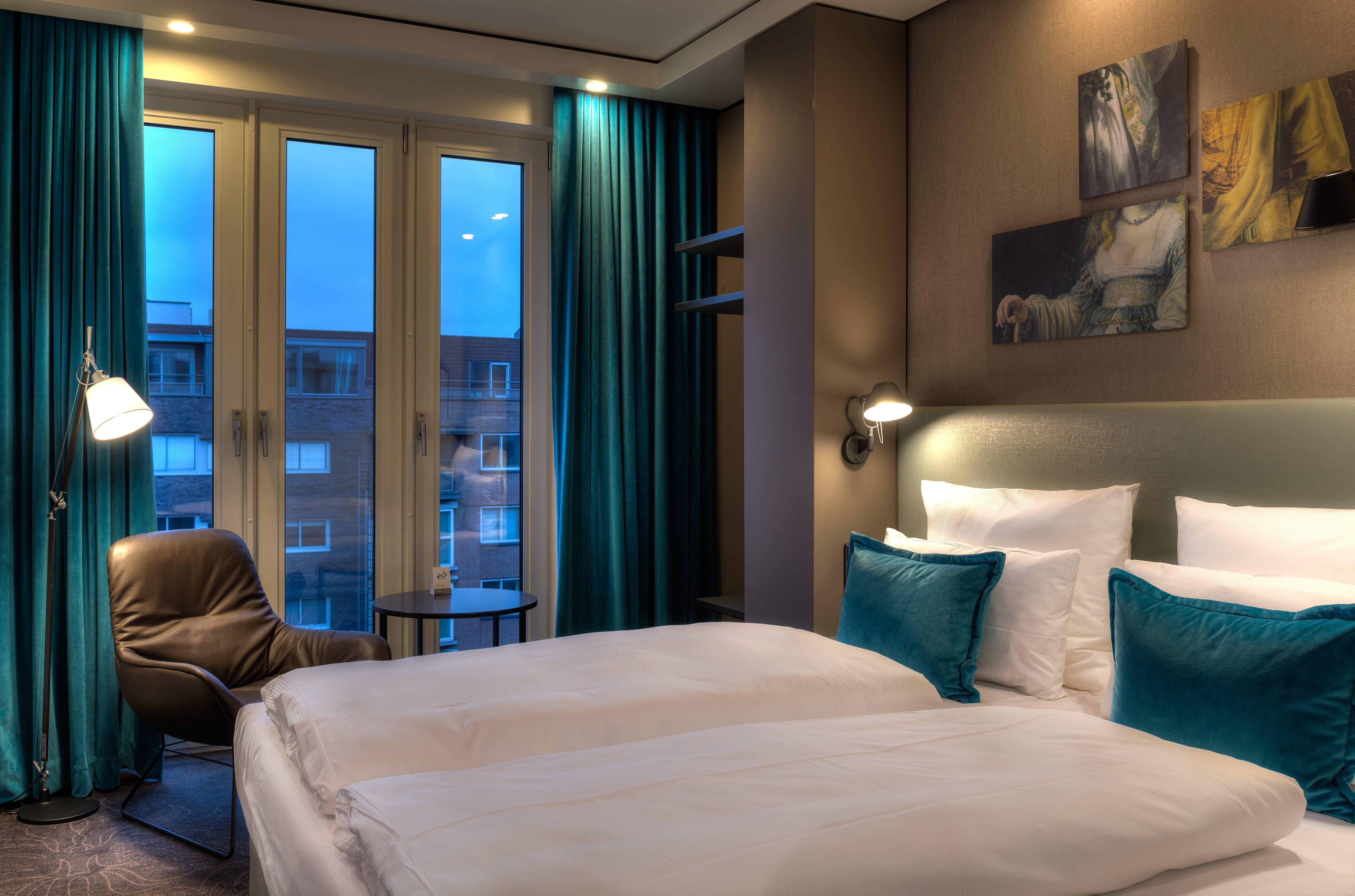 Motel One room