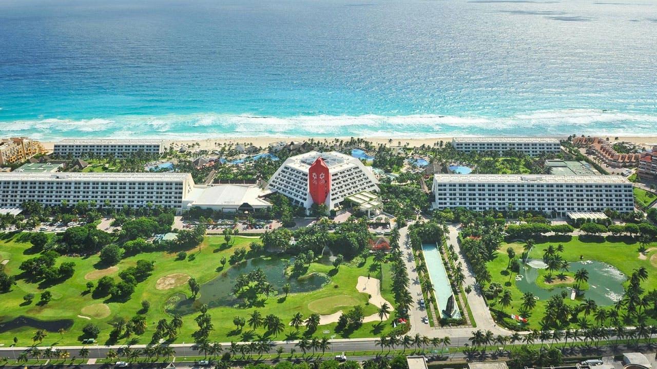 Grand Oasis Cancún Exterior