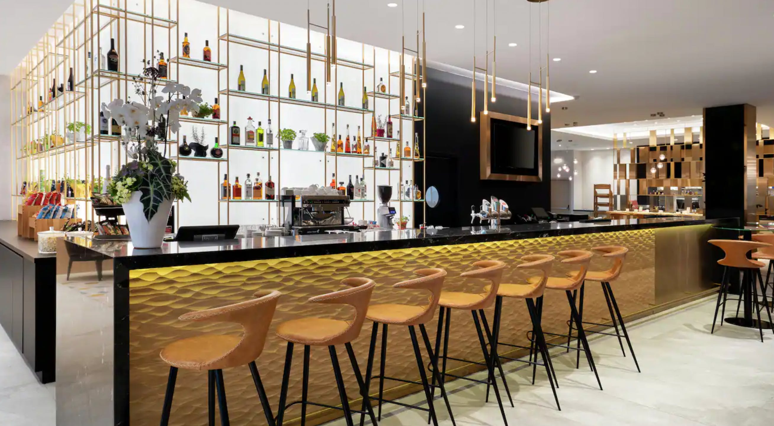 Hilton Garden Inn Budapest City Centre bar