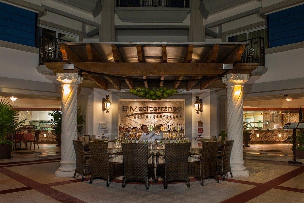 Hilton Playa del Carmen bar
