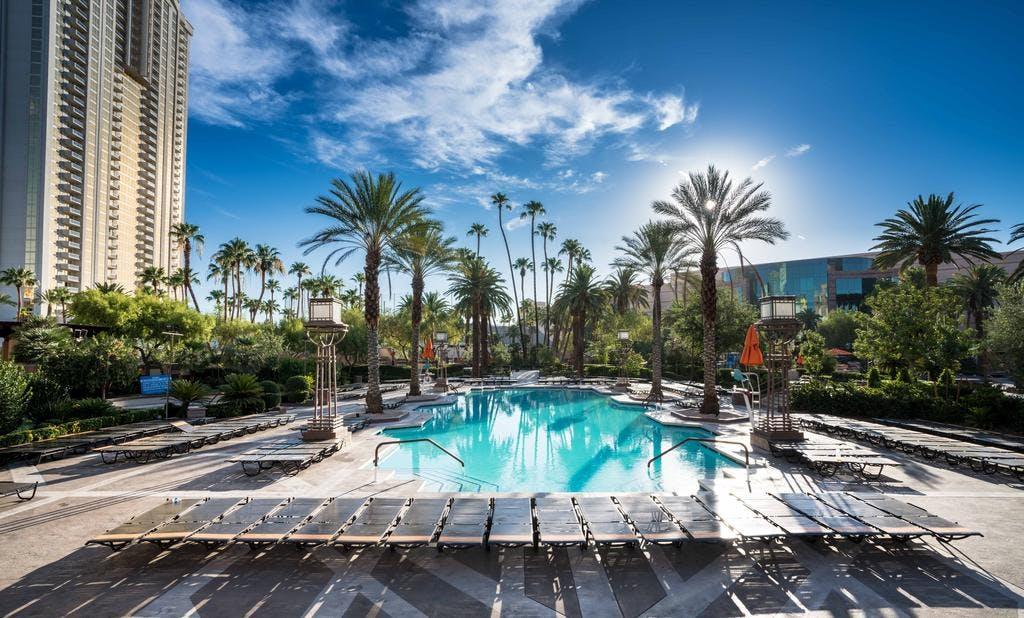 MGM Grand swimming pool