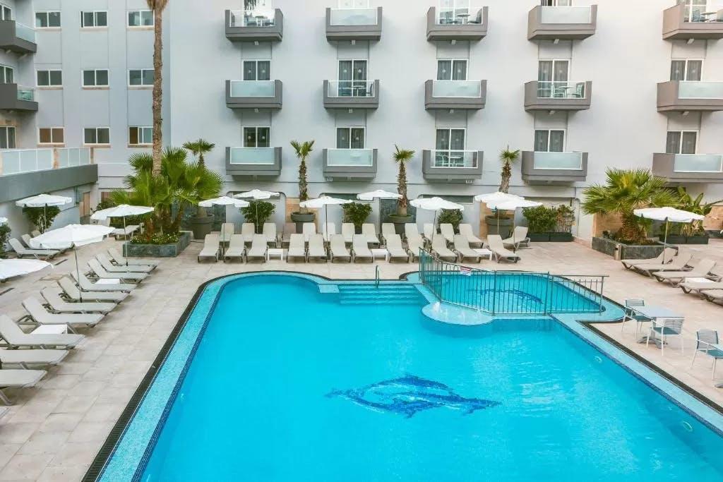 Bora Bora Ibiza Beach Resort pool