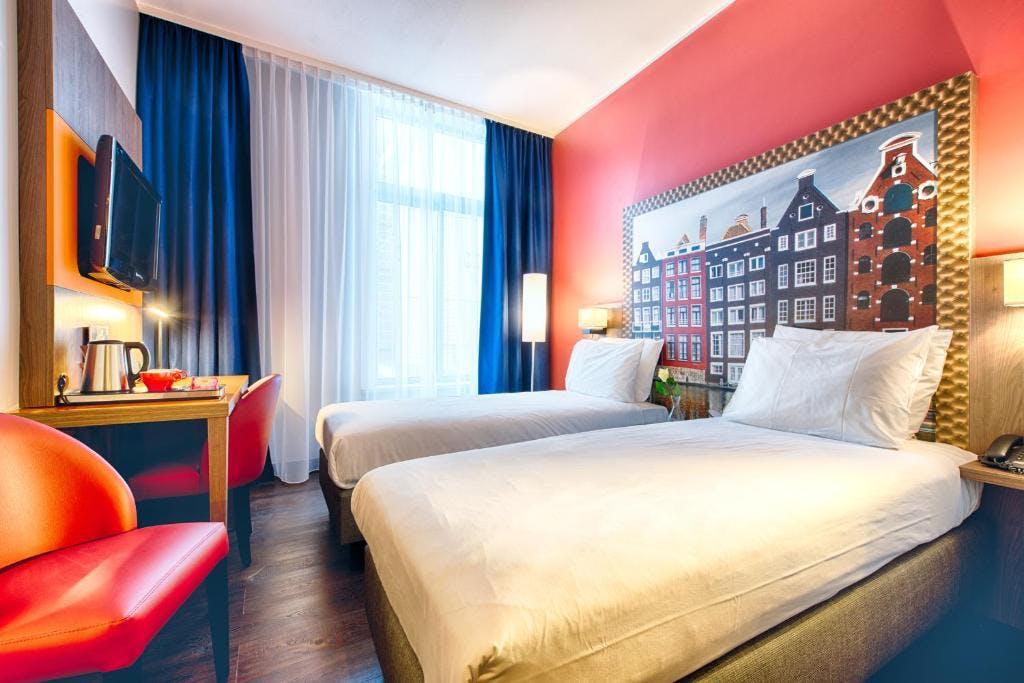 Leonardo Hotel room