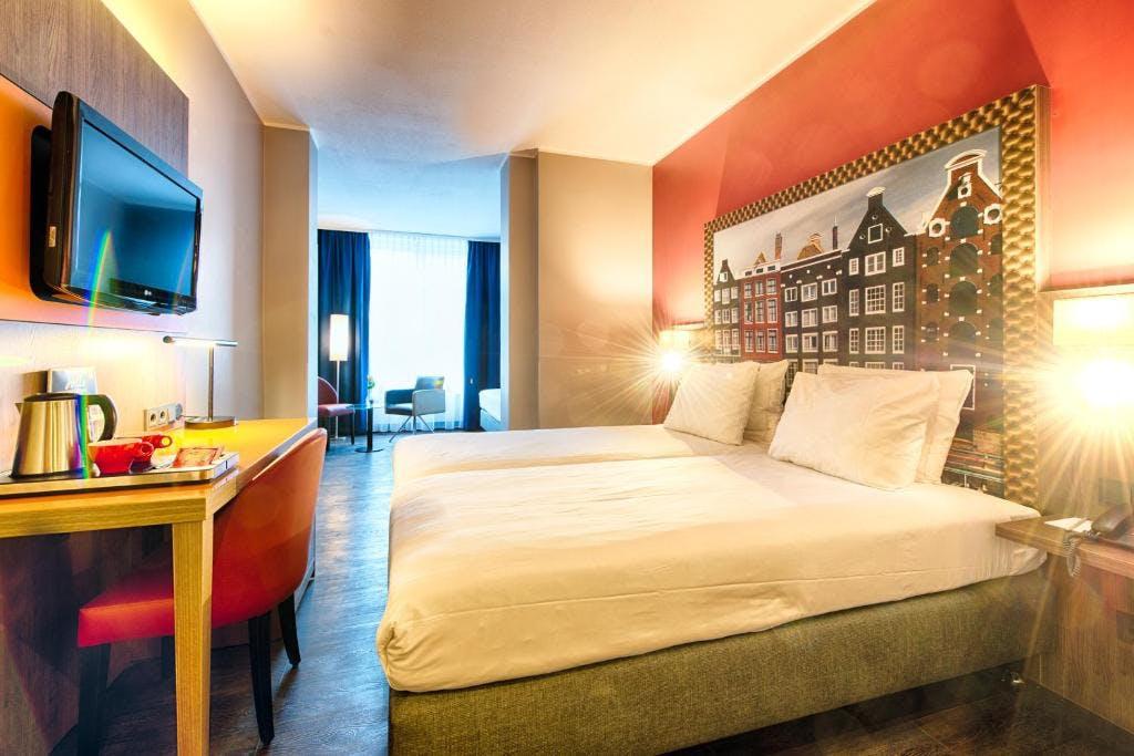 Leonardo City Centre Hotel room