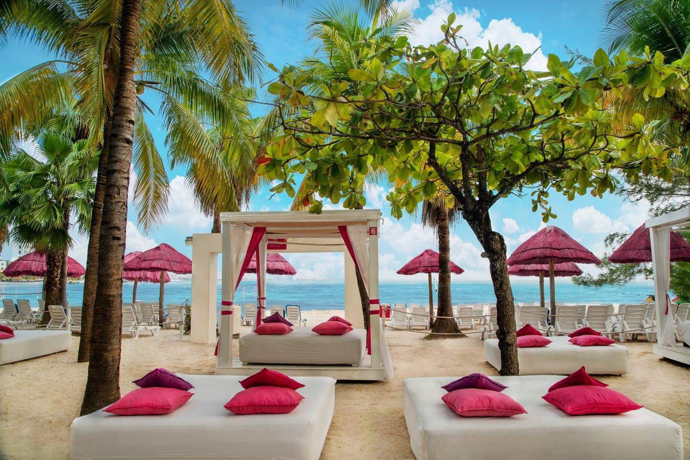Oasis palm beach