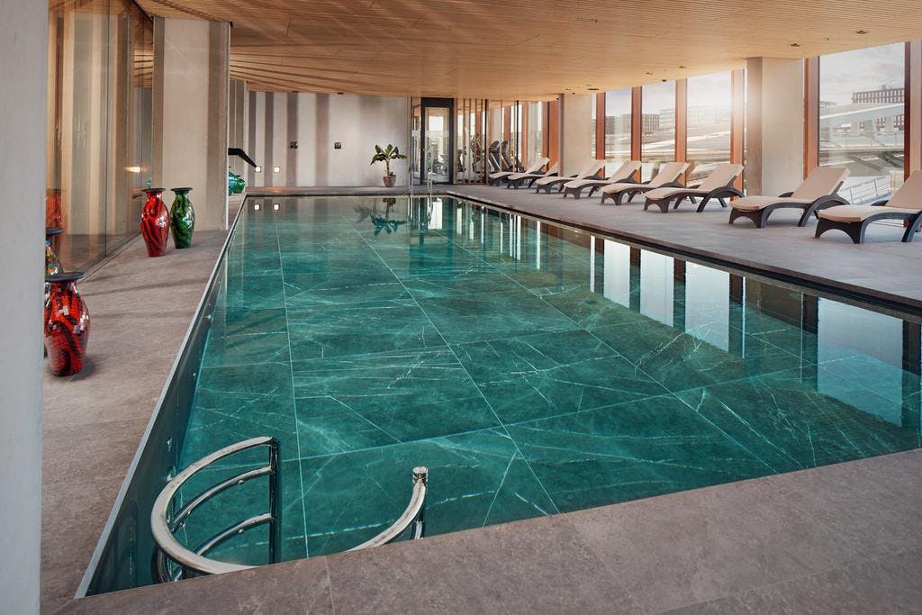 The Champagne Steam Room Spa Hotel pool