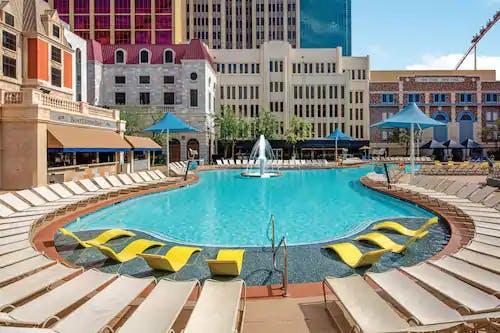 NYNY Pool