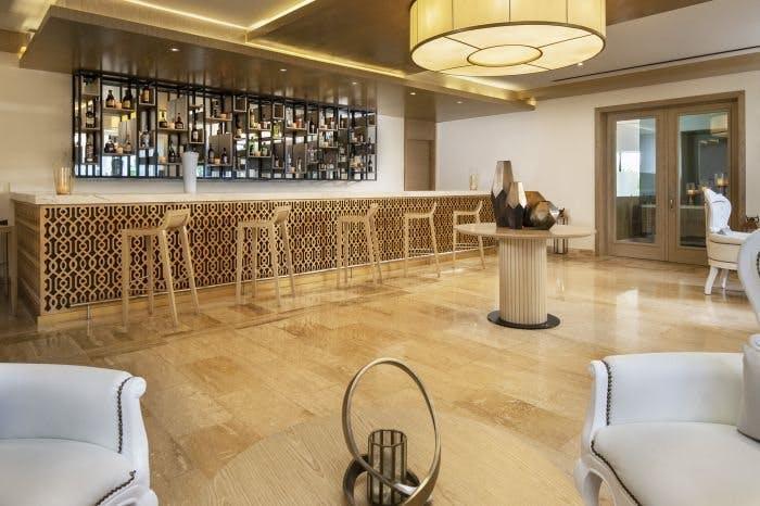 Meliá Caribe Beach Resort bar