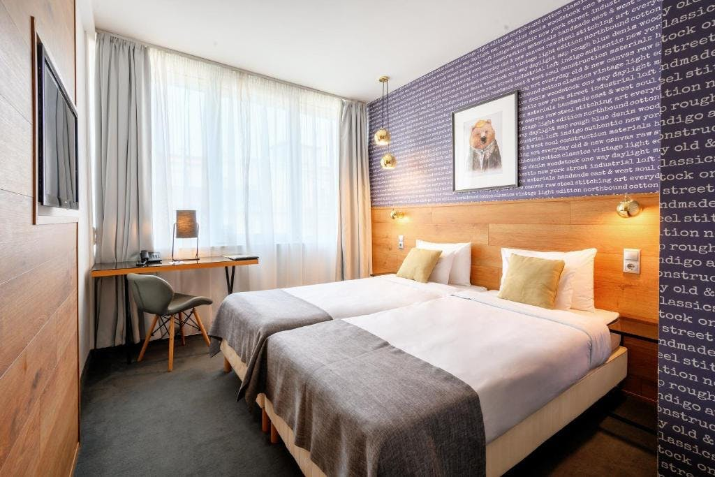 Roombach Hotel bedroom