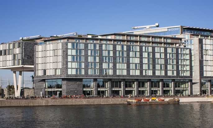 Doubletree by Hilton front