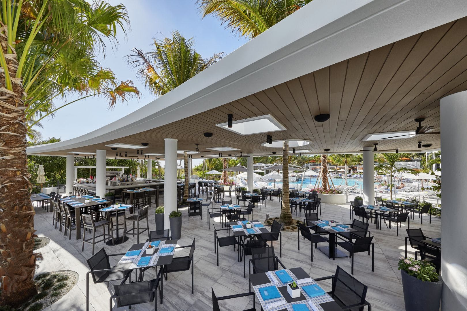 Loews South Beach outdoor dining