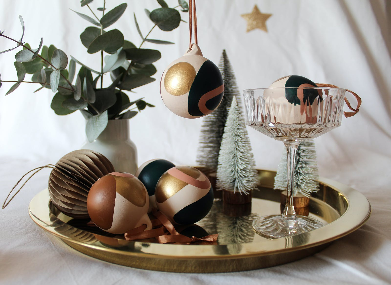 Champagne saucer with handpainted baubles