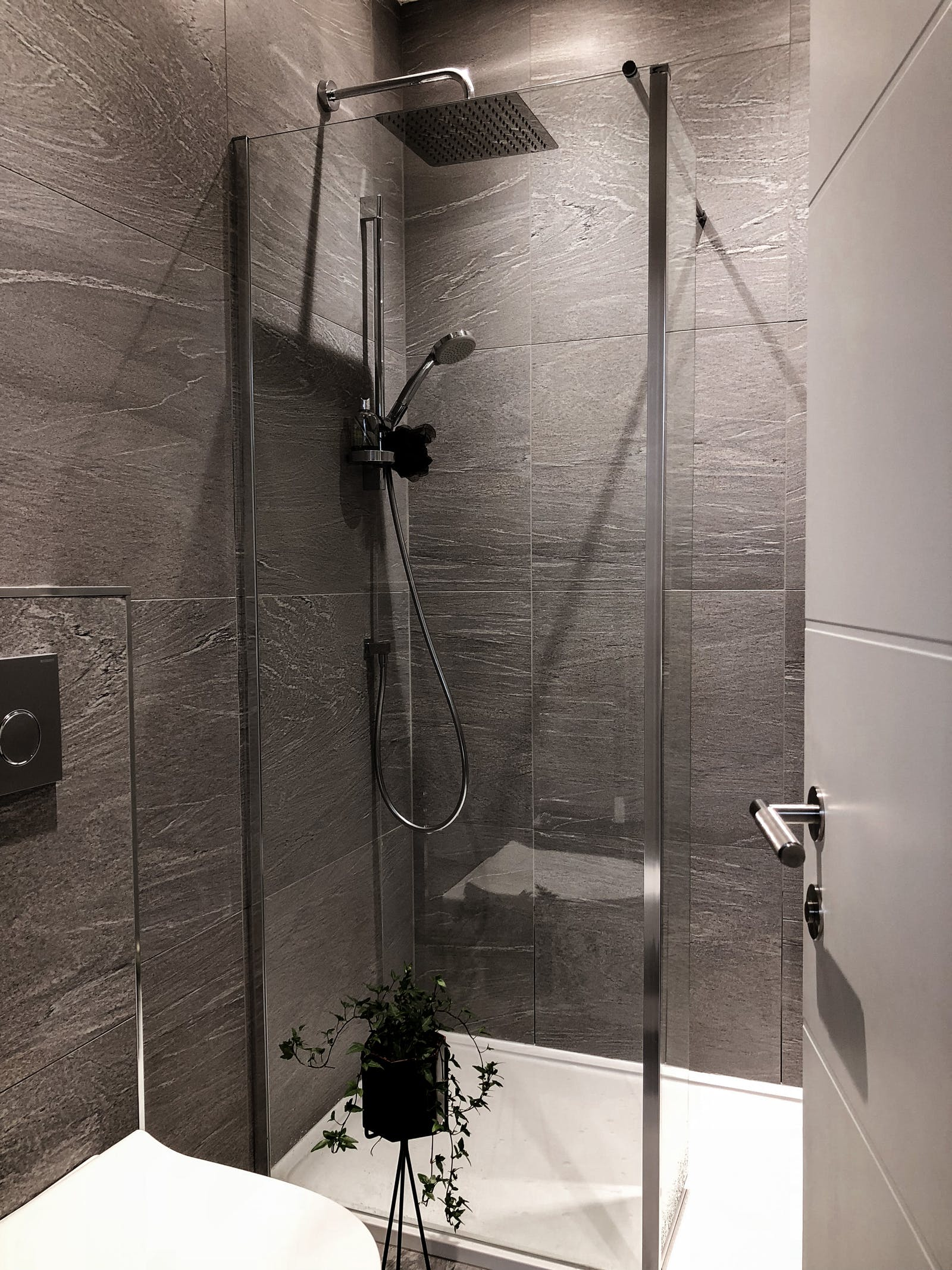 Shower area in grey