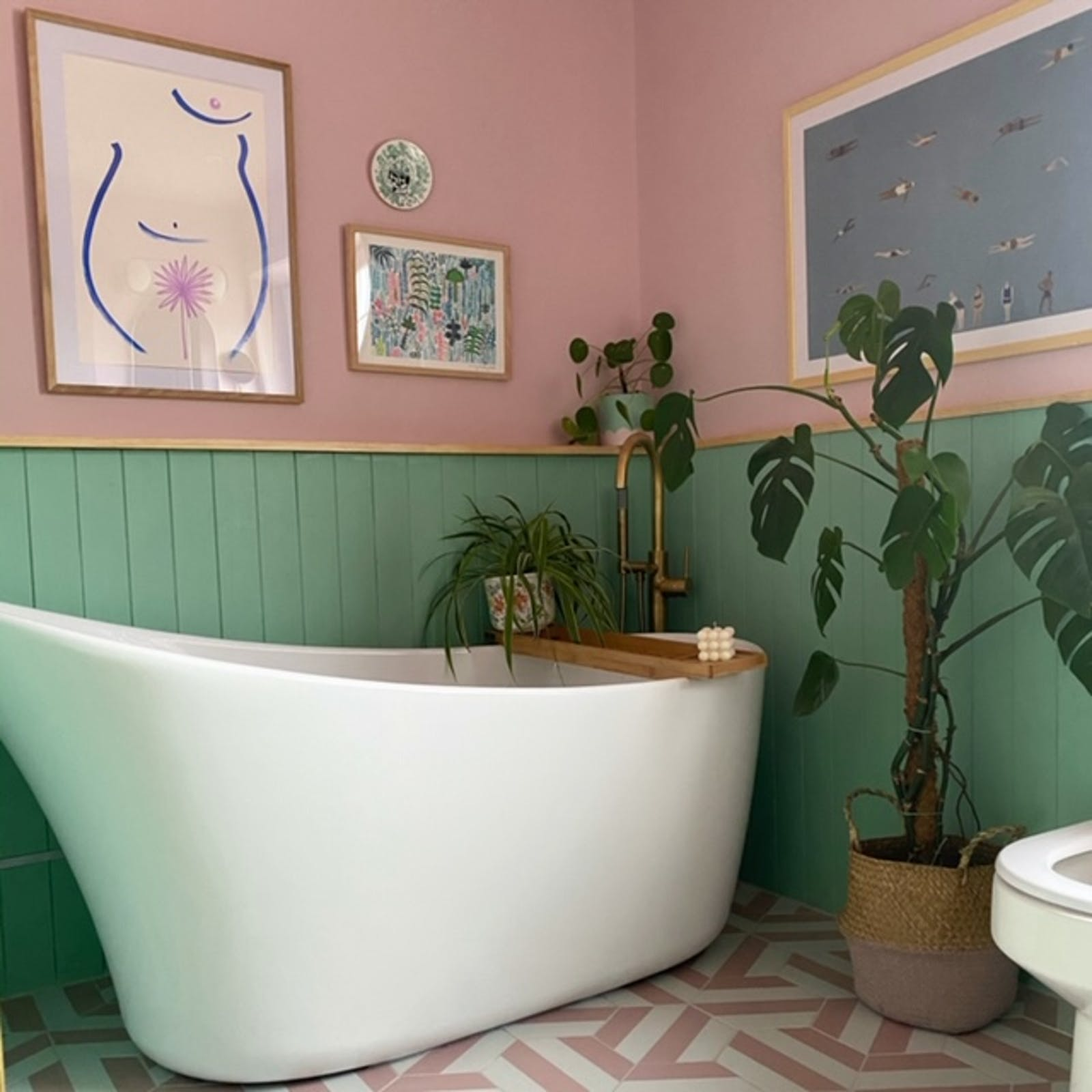 Bath tub in bathroom painted in Lick Pink 03 and Lick Green 08 paint